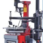 Automatic tyre changer with rear air tank
